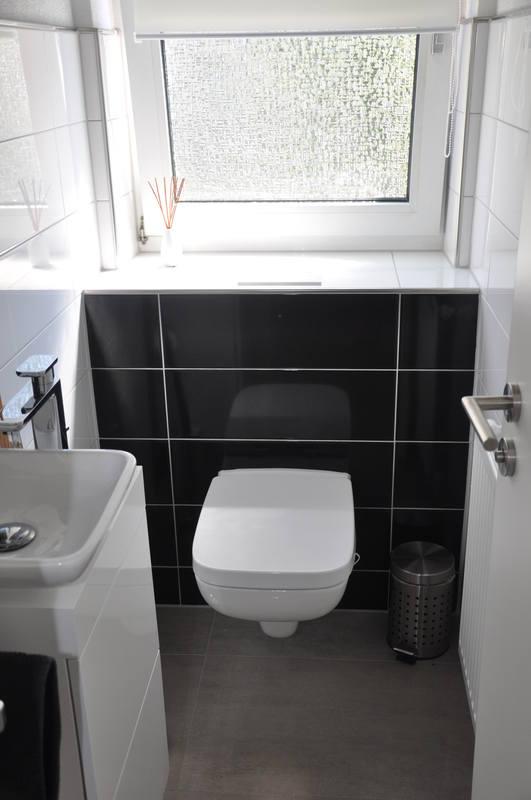 fliesen gottfried wc schwarz wei. Black Bedroom Furniture Sets. Home Design Ideas